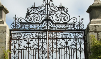 driveway-gate-hinges