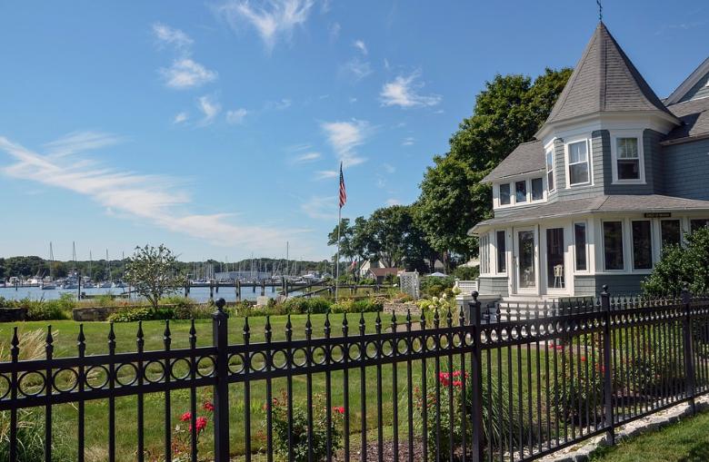 wrought-iron-porch-railings